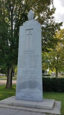 Prescott cenotaph in front on Fort Wellington